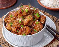 Фото к рецепту: Жареная свинина с кунжутом