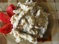 Фото к рецепту: Свинина а-ля бефстроганов в сметанном соусе