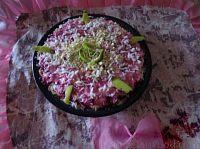 Фото к рецепту: Торт овощной «Любаша» из сельди и овощей